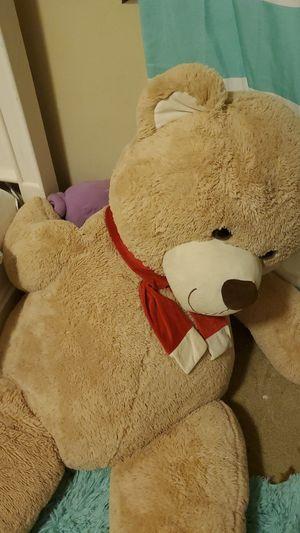 Big cuddly teddy bear for Sale in Spanaway, WA