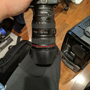 24-105 F4 V1 Ef Canon Lens for Sale in Walnut, CA