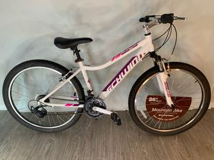 "Schwinn Women's Ranger 26"" Mountain Bike, White for Sale in Garden Grove, CA"