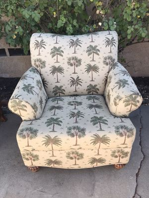 Chair for Sale in Ontario, CA