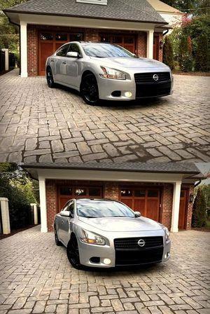 2009 Maxima Price$14OO for Sale in Atlanta, GA