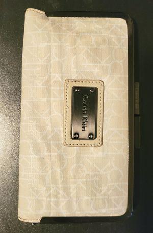 Calvin Klein khaki white wallet for Sale in San Diego, CA