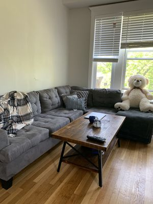 Big L/Sectional Couch for Sale in Chicago, IL