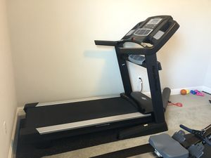 Treadmill NordicTrack Elite 5700 for Sale in Austin, TX
