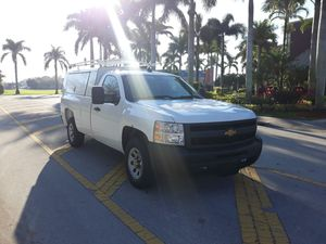2013 chevy silverado for Sale in Miami, FL