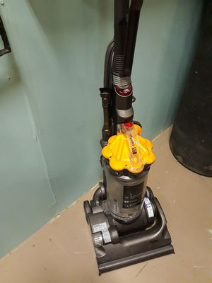Dyson DC33 vacuum cleaner for Sale in Mulberry, FL