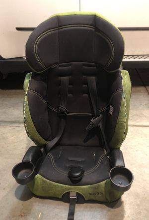 Evenflo car seat /booster seat for Sale in Los Angeles, CA