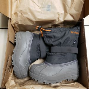 Kids Columbia snow boots sz 13 for Sale in Montclair, CA