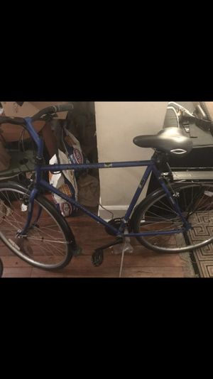 Giant bike with retro add ons and bike rack for Sale in Columbus, OH