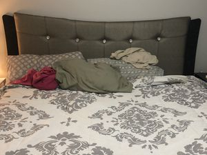 King size bedroom suit for Sale in Lexington, KY