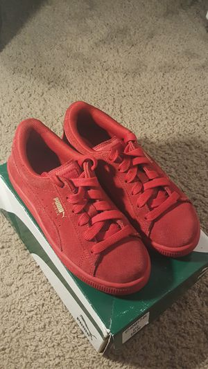 Puma suede ps size 2c us. for Sale in Columbus, OH
