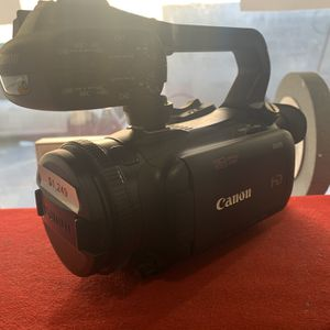 Canon XA15 HD Camcorder Brand New for Sale in The Bronx, NY
