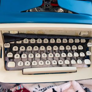 ROYAL TYPE WRITER for Sale in Morrisville, PA