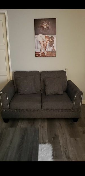 Love seat couch for Sale in Downey, CA