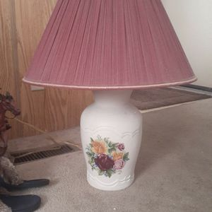 Beautiful Vintage Lamp for Sale in Valrico, FL