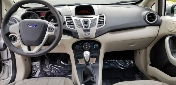 2012 Ford Fiesta SE MANUAL transmission