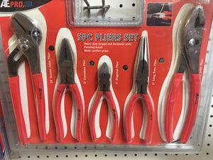 5 pics pliers for Sale in Apollo Beach, FL