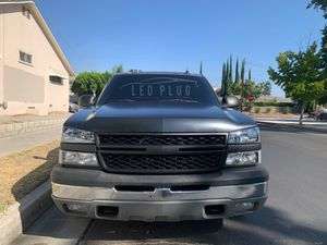 03-06 Silverado HD Parts Hood, Grille, Bumper pad for Sale in Los Angeles, CA