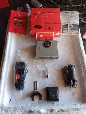 Sears & Roebuck Transistorized Electronic Flash for Sale in Decatur, IN