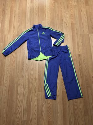 Girls Adidas outfit size 6 purple/ Neon for Sale in Blue Springs, MO