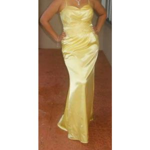 Yellow Gown Cinderella Design Formal Dress With No Scarf XL for Sale in Fort Lauderdale, FL