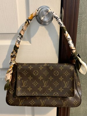 Louis Vuitton Mini Looping Bag for Sale in Tyler, TX
