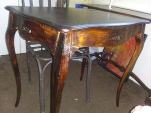 """Antique end table. Top 30"""" x 22"""" 29"""" tall. for Sale in Phoenix, AZ"""