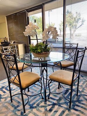 """$69 - Dinning Table With 42"""" Temper Glass for Sale in Rosemead, CA"""