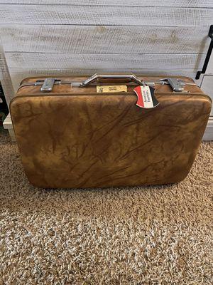 Vintage American Tourist suitcase for Sale in Spokane, WA