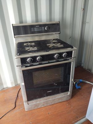 Siemens gas 4 burner stove with oven and boiler ! for Sale in Livermore, CA