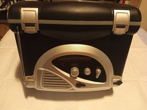(Tote) Cooler work built-in Am/Fm Radio for Sale in Columbus, OH