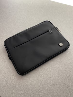 Tablet laptop sleeve for 10-12 inch Apple iPad surface pro perfect! for Sale in Centennial, CO