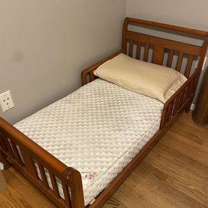 Toddler Bed And Mattress for Sale in Naugatuck, CT