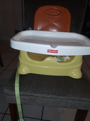 Fisher price booster seat with tray for Sale in Lake Worth, FL