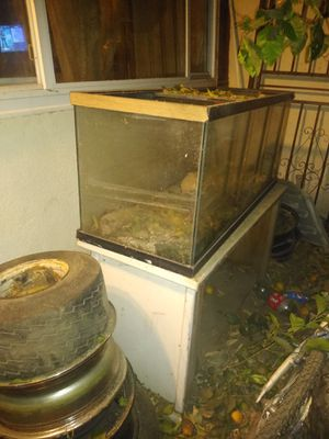 FREE FISH TANK FREE FREE PLEASE TAKE IT for Sale in Chino, CA