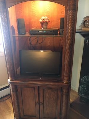 Tv or Curio Cabinet for Sale in Holden, MA