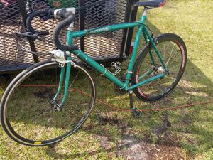 Cannondale old school road bike size 27 for Sale in Lutz, FL