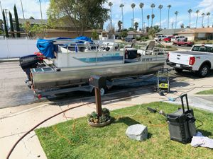 1995 lowes 19.5 feet. 4000 obo no low ballers for Sale in Riverside, CA