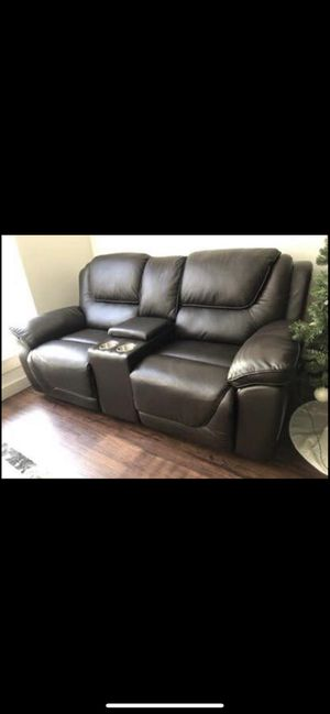 Leather automatic reclining loveseat for Sale in Reston, VA