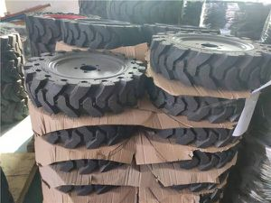 Bobcat s70 solid tires 5.70x12 for Sale in Chino, CA