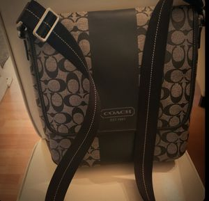 AUTHENTIC COACH MESSENGER BAG for Sale in Alhambra, CA