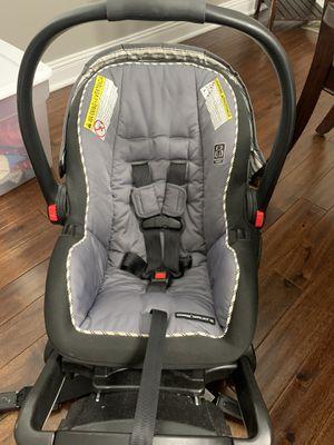 Grace snugride snuglock 35 car seat & base for Sale in Hendersonville, TN