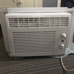 Whirlpool Window AC Unit for Sale in Cuyahoga Falls, OH