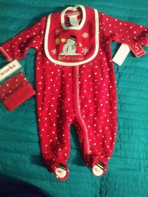 New baby 0-3 months 3 piece for Sale in Hesperia, CA