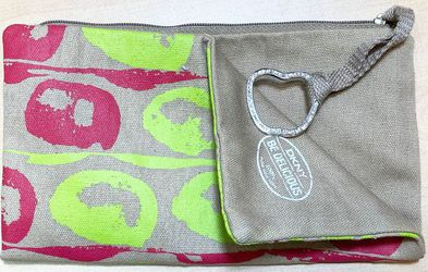 DKNY Be Delicious Wristlet Clutch Purse Bag Pouch for Sale in Palos Park,  IL