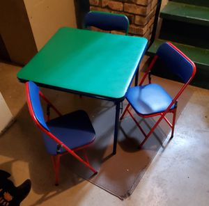 Kids table and chairs for Sale in Shakopee, MN