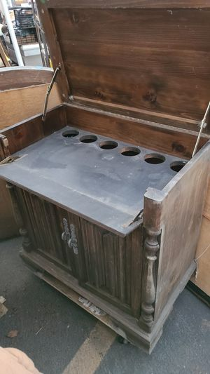 Antique cabinet for Sale in Garden Grove, CA