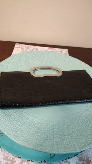 Beautiful Shiny Black Genuine Faux Leather Handbag for Sale in Miramar, FL