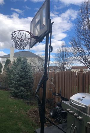 Lifetime basketball hoop for Sale in Plainfield, IL