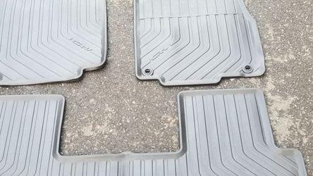 Honda CR-V Floor Mats 2015 for Sale in Bellevue,  WA